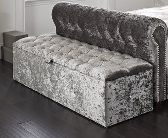 Luise Diamante Buttoned Upholstered Ottoman