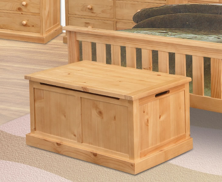 justottomans.co.uk Graham Pine Blanket Box